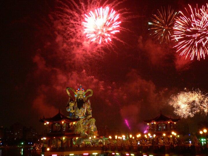 Tượng Bắc Cực Huyền Thiên Thượng đế tại Hồ Liên Trì, Tả Dinh, Cao Hùng, Đài Loan.