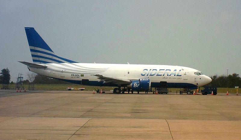 Ficheiro:Sideral Air Cargo 737-300SF SBSL.JPG