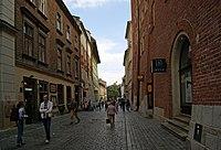 200px-Sienna_street_%28view_to_E%29%2C_Old_Town%2C_Krakow%2C_Poland.jpg