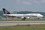 Singapore Airlines Boeing 747-412 9V-SPE (26922874910).jpg