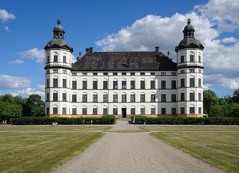 File:Skokloster slott, juli 2018.jpg