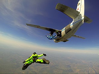 Let L-410 Turbolet - Skydiving