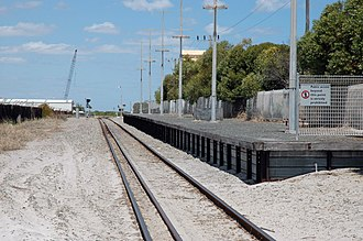 Fremantle railway line - Dual gauge track at South Beach station in February 2006