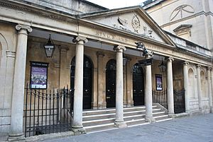 Grand Pump Room, Bath - Image: South colonnade 20130408 325