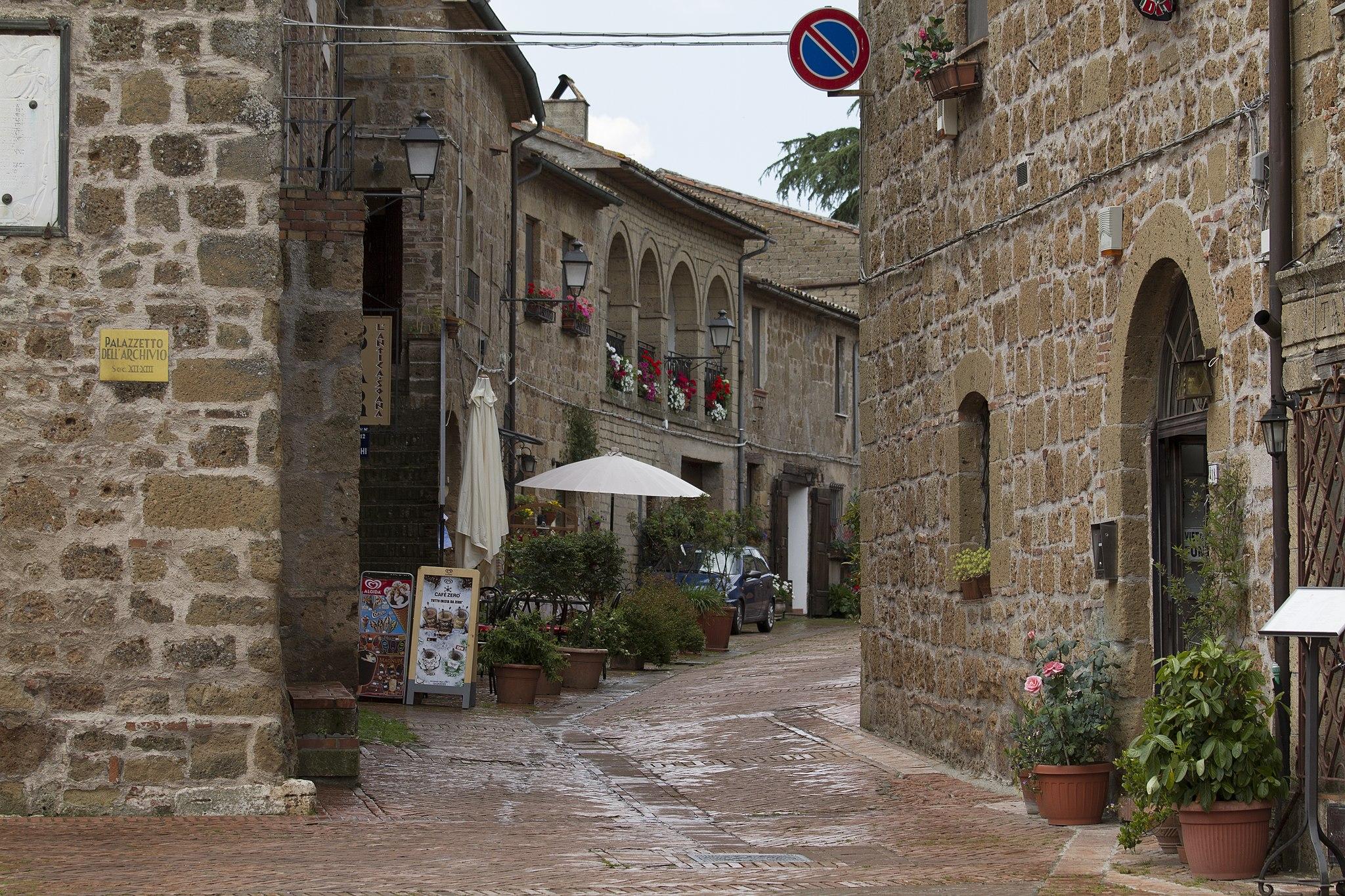 Sovana, GR, Tuscany, Italy - panoramio