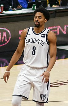 Spencer Dinwiddie (39916296274) (cropped).jpg