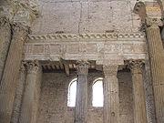 Spoleto SSalvatore Architrave1