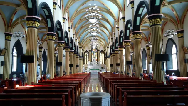 Interior of St. Dominic's Cathedral, Fuzhou St. Dominic's Cathedral Fuzhou Post-Renovation Interior.webp