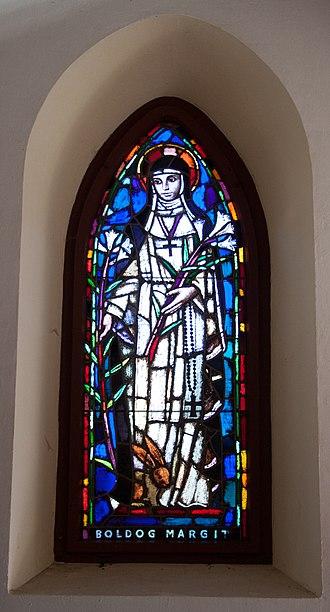 Lili Árkayné Sztehló - Image: Stained glass window in the Galyatető Roman Catholic church with Saint Margaret