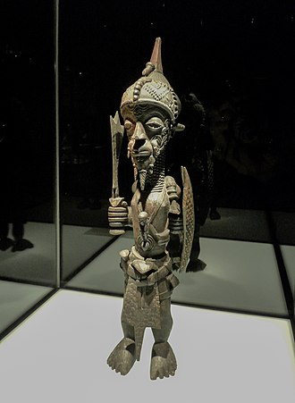 Lulua people - A 19th century statue of a Lulua war chief, Ethnologisches Museum Berlin.