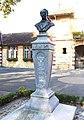Statue d'Eugène Ténot à Larreule (Hautes-Pyrénées) 1.jpg