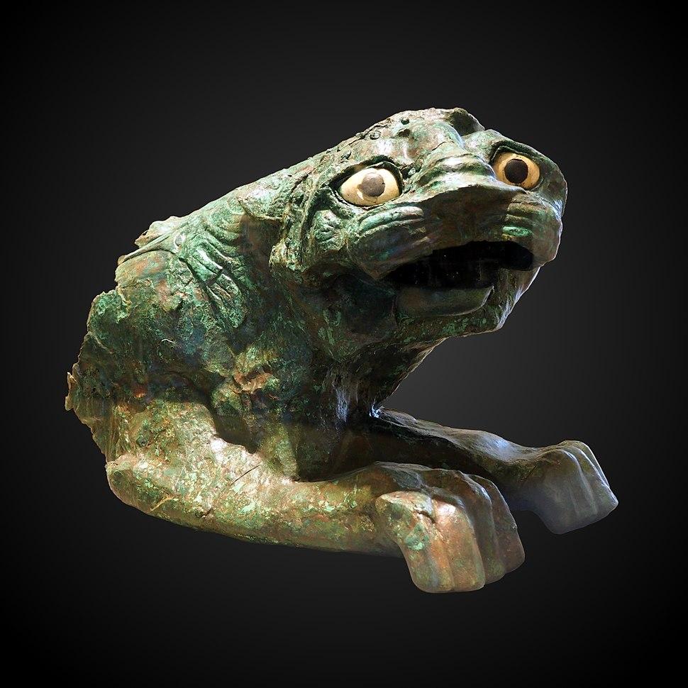 Statue of lion-AO 19520 19824-P5280748-gradient
