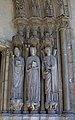 Statues à droite du portail de Saint-Germain-lAuxerrois, Paris 2010.jpg