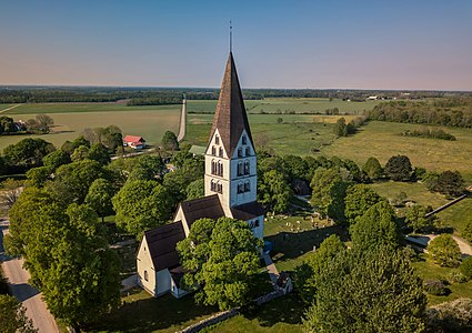 Stenkyrka church, aerial view.jpg