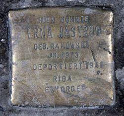Photo of Erna Jastrow brass plaque