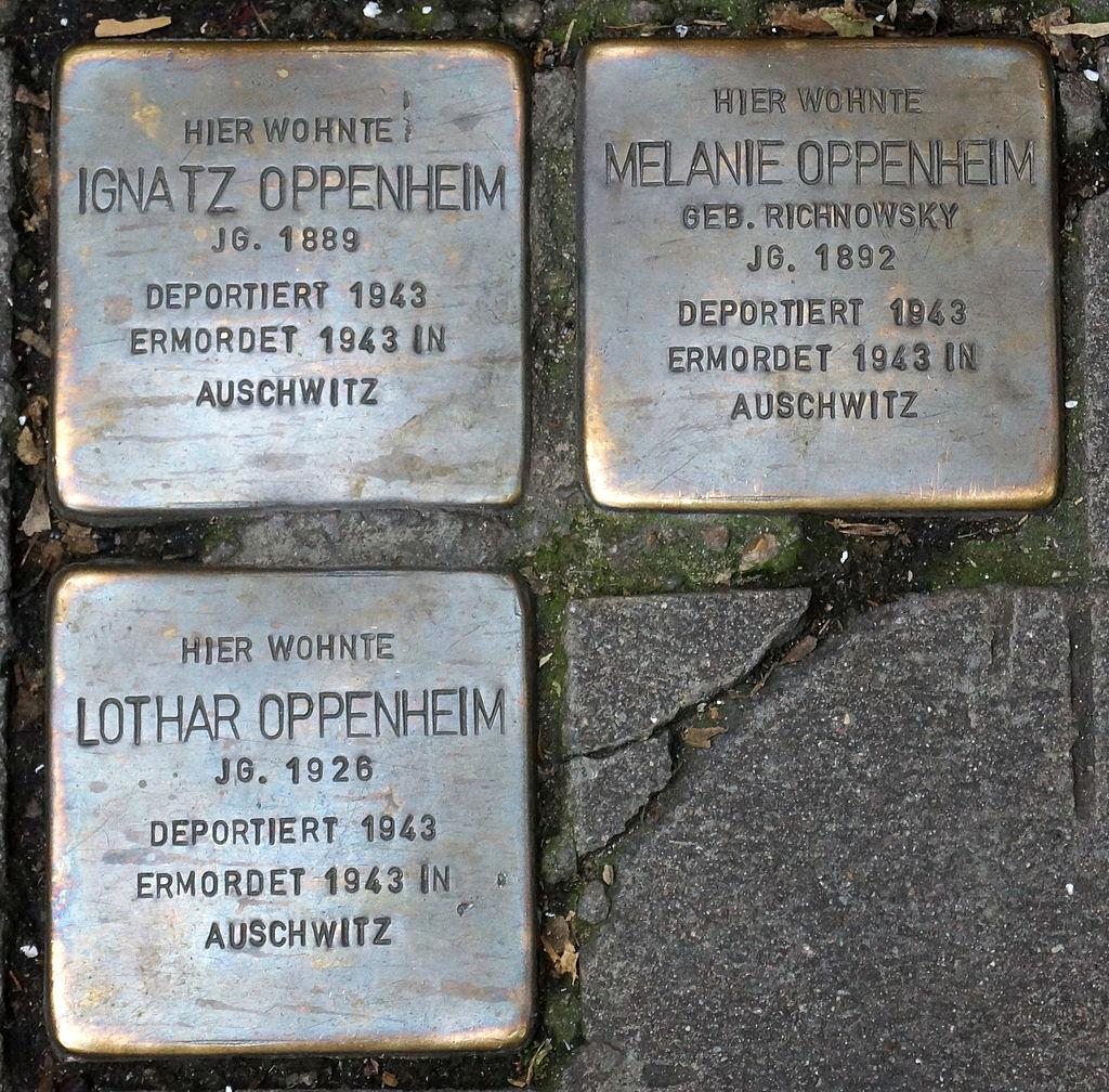 Stolpersteine - Stuttgart - Eberhardstraße 2 - Ignatz, Melanie, Lothar Oppenheim.JPG