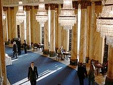 Stuttgart Staatsoper Foyer.jpg