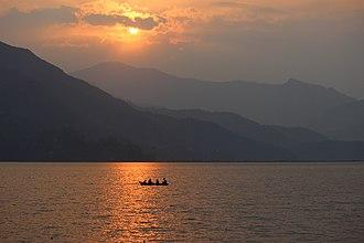 Phewa Lake - Image: Sun Set over Phewa Lake