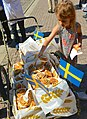 Sveriges Nationaldag- kanelbullar 2013.jpg