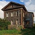 Sviyazhsk Nikolskaya Street wooden house2 08-2016.jpg