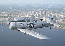 North American T6 250px-T-6_Texan_Jacksonville