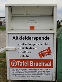Altkleider-Container, Tafel Bruchsal, Farbe: weiß