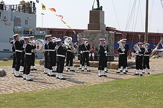Aiguillette - Royal Danish Naval Band with red aiguillettes