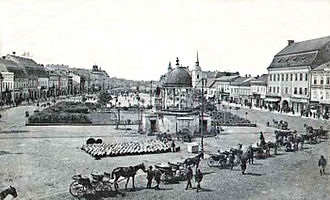 Târgu Mureș - The city centre in 1911 with the musical fountain of Péter Bodor