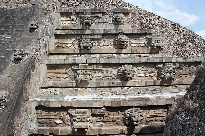 File:Teotihuacan, Citadel, Temple of the Feathered Serpent (20686669345).jpg