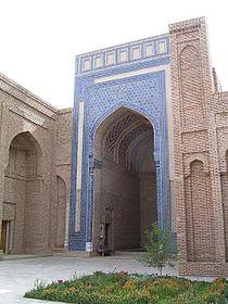 Termez Sultan-Saodat.jpg