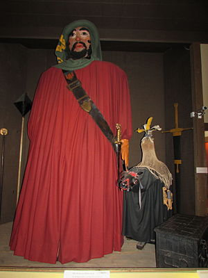The Salisbury Museum - The Salisbury Giant, a 12 feet tall medieval figure with Hobnob