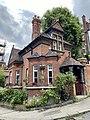 The Lodge, Gainsborough Gardens, June 2021 02.jpg