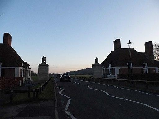 The Magna Carta Tea Room, Runnymede-geograph-4314742-by-David-Howard