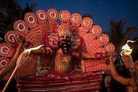 Theyyam at kadachira Mandothum Kavu 3.jpg
