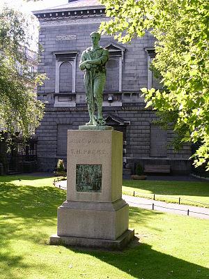 Thomas Heazle Parke - Parke's statue on Merrion Street, Dublin