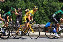 Photographie présentant Thomas Voeckler en jaune sur le Tour de France 2011.
