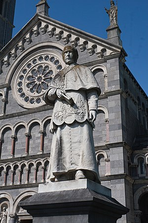 Patrick Leahy (archbishop) - Statue of Patrick Leahy in front of his cathedral