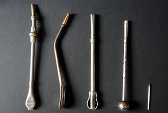 Bombilla - Different types of bombillas, with a common matchstick for scale.