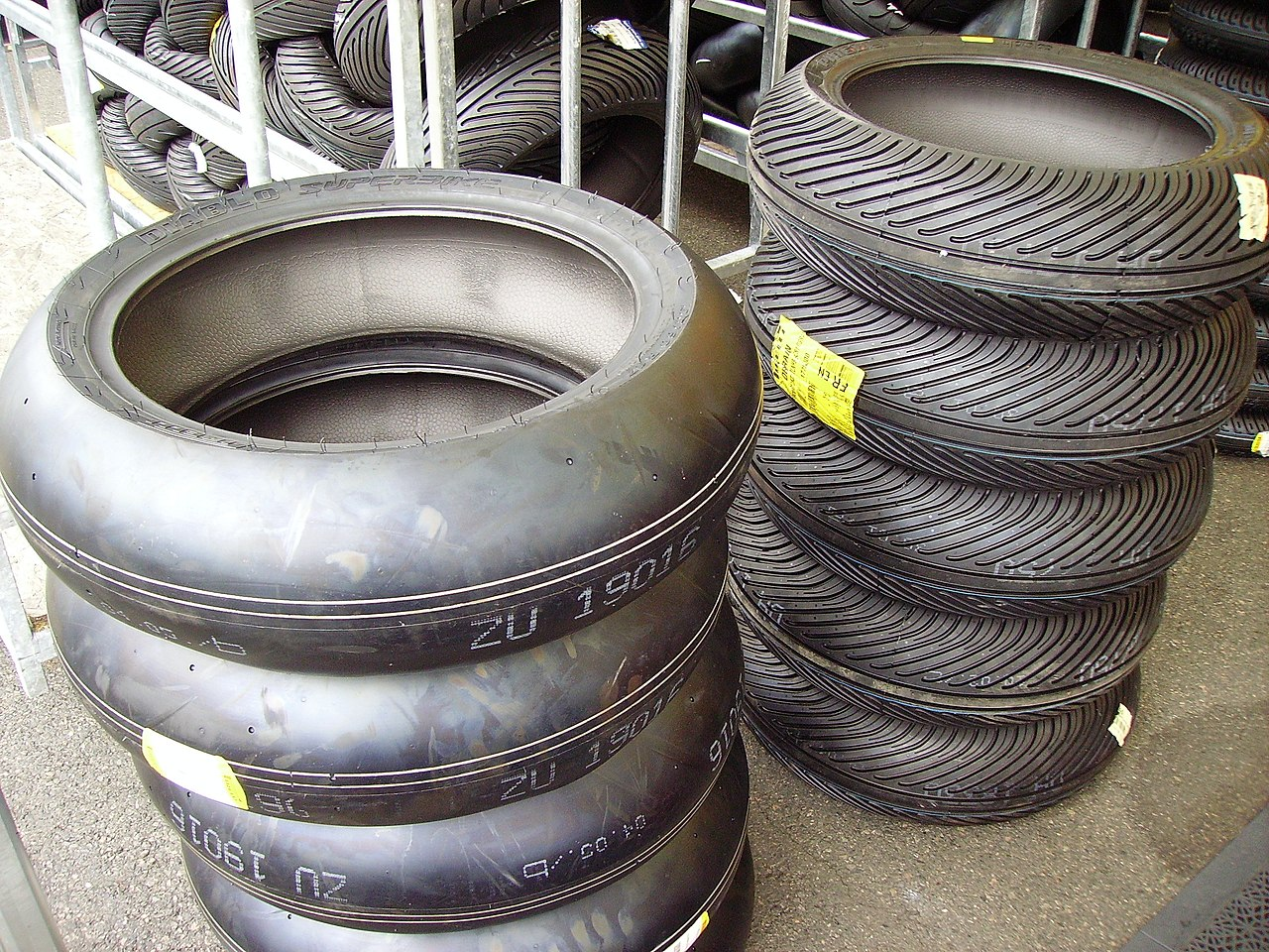 File Tires For Motorcycle Racing Jpg Wikimedia Commons