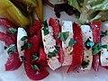 Tomates mozzarella, accompagnées de piments et d'une salade verte composée 05.jpg