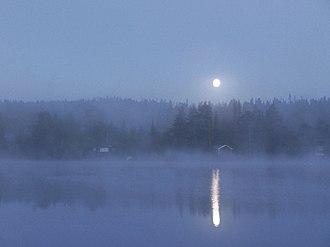 Moonlight - Image: Tonsvatnet, tåke og måne