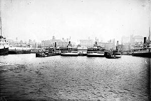Toronto Ferry docks 1912 -a.jpg