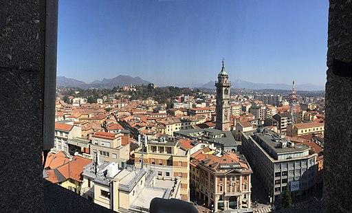 Torre Civica Varese vista su centro città (2019-03)