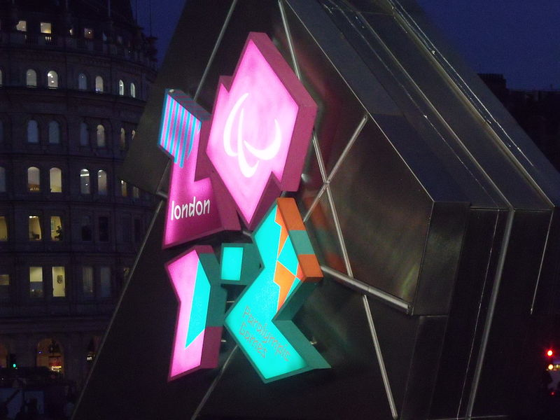 File:Trafalgar Square, London - London 2012 - countdown clock.jpg