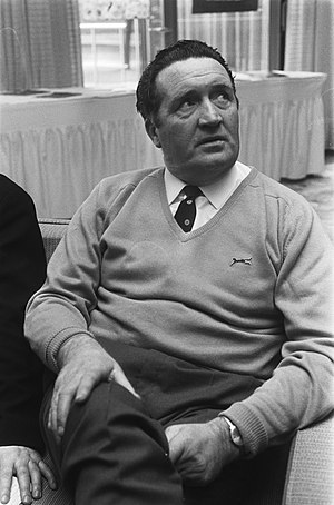 Jock Stein was under significant pressure to get Scotland to the World Cup, and had said that he would step down after the finals. Trainer Jock Stein van Celtic in het Hiltonhotel, Bestanddeelnr 924-3395.jpg