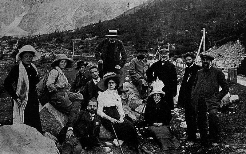 File:UK 1912 ekskurso 2.jpg