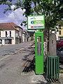 Un arrêt de bus à Tournay.jpg