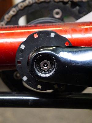Utilisation d'un petit écrou (M6) pour protéger la tige de changement de vitesse d'un pédalier  Schlumpf Speed Drive