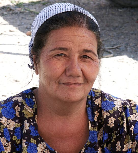 File:Uzbek people (4934182297).jpg