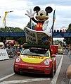 VW New Beetle Journal de Mickey Caravane Tour de France 2019 Chalon sur Saône (48296545072).jpg